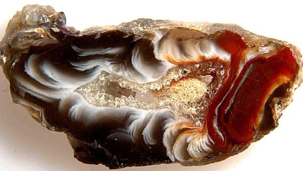 Kamen'-agat-magicheskie-svojstva