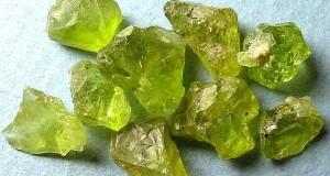 hrizolit-kamen'-magicheskie-svojstva