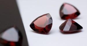 kamen'-granat-magicheskie-svojstva
