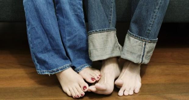 k-chemu-snjatsja-nogi